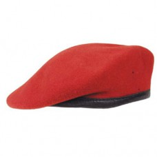 Берет армии Австрии, красный, б/у