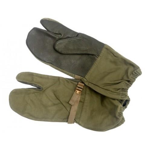 Рукавицы трёхпалые с кожаными накладками Бундесвера, олива, б/у