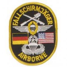 """Нашивка """"Deutsch - Amerikanische Fallschirmjäger Airborne"""", новая"""